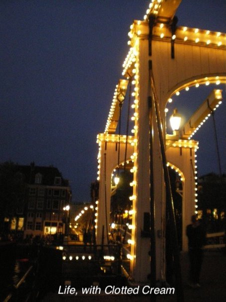 Magere brug, Amsterdam