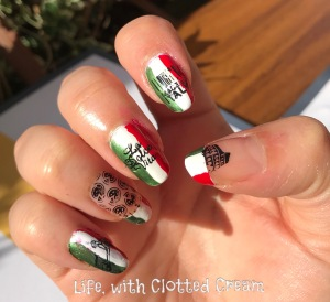 Italian Nail art with flag