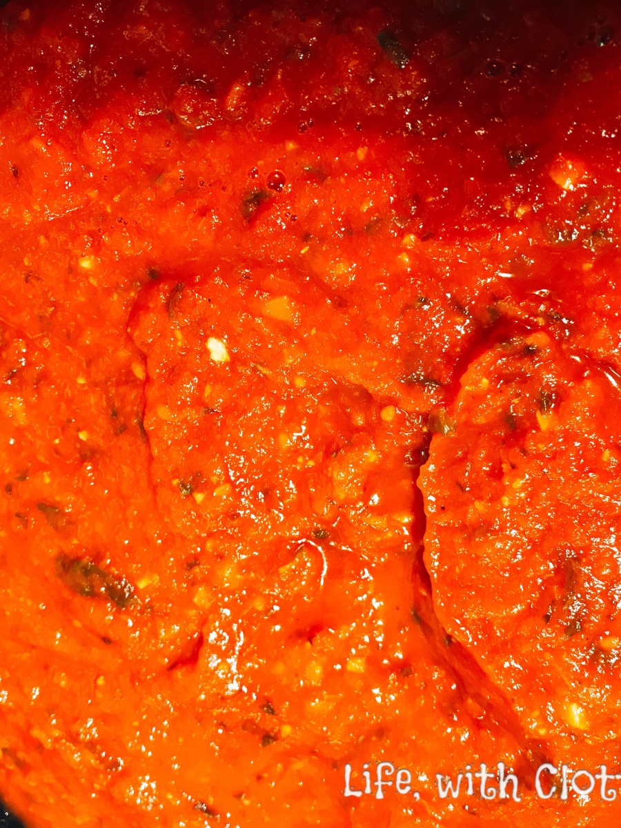 Homemade tomato pizza sauce