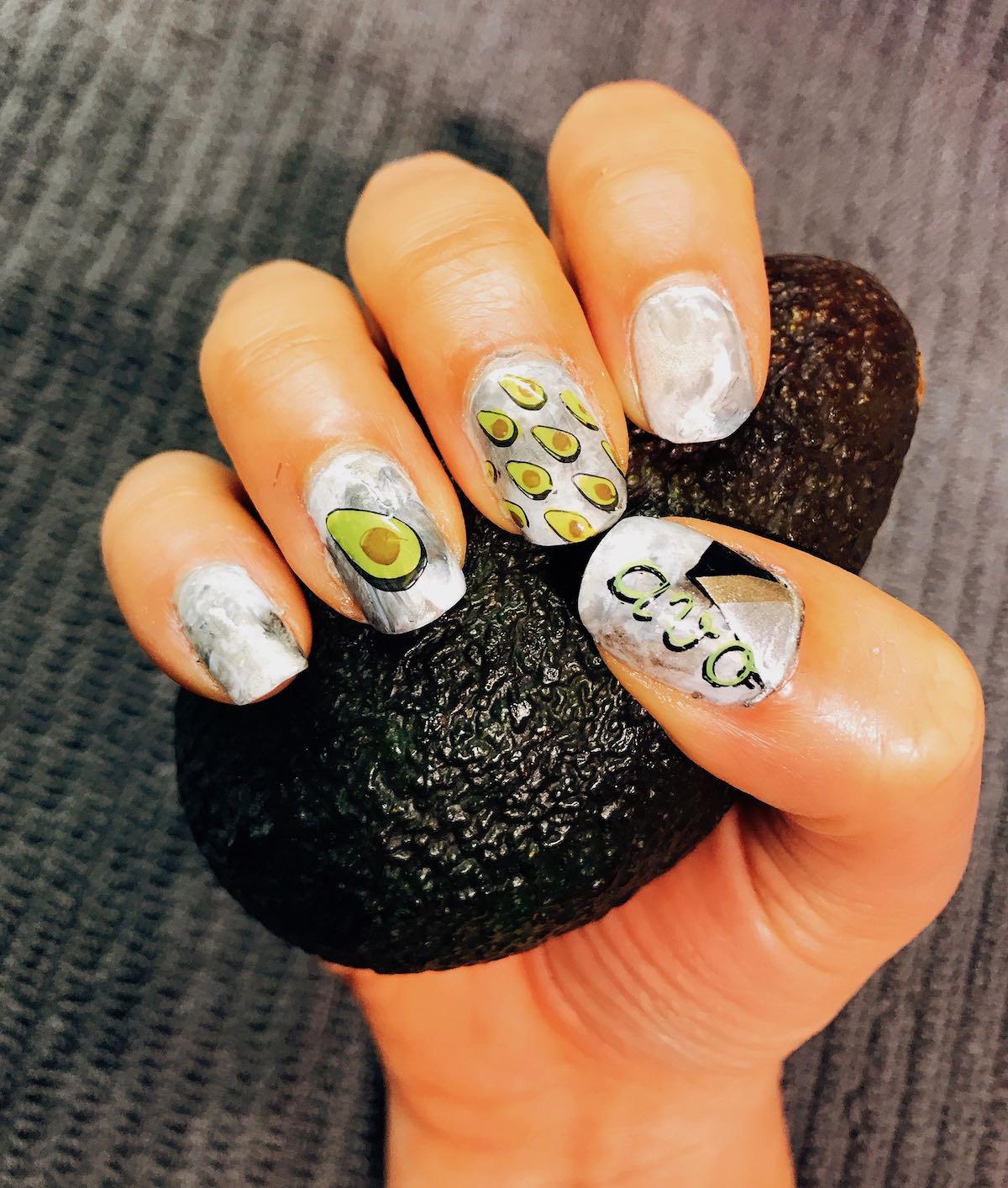 Nail art avocado